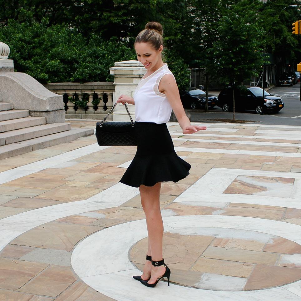 Comptoir des Cottonniers Pleated Skirt Helmut Lang Nexa Top Chanel Bag