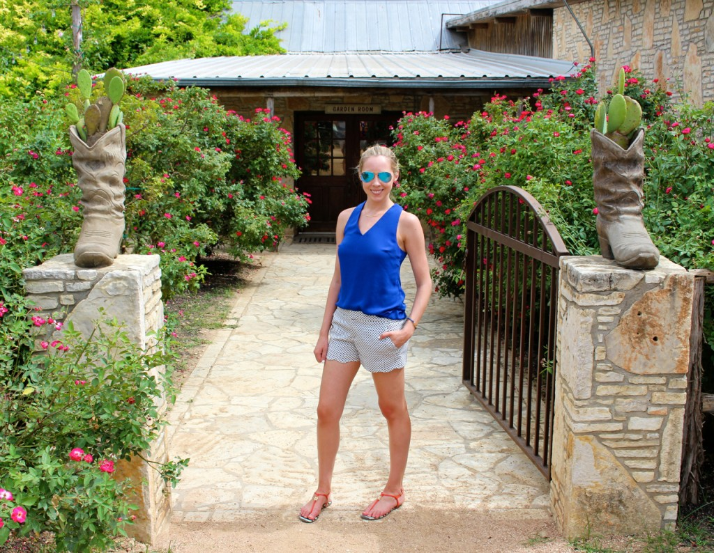 Club Monaco Amber Shorts Ray Ban Blue Gold Mirrored Sunglasses