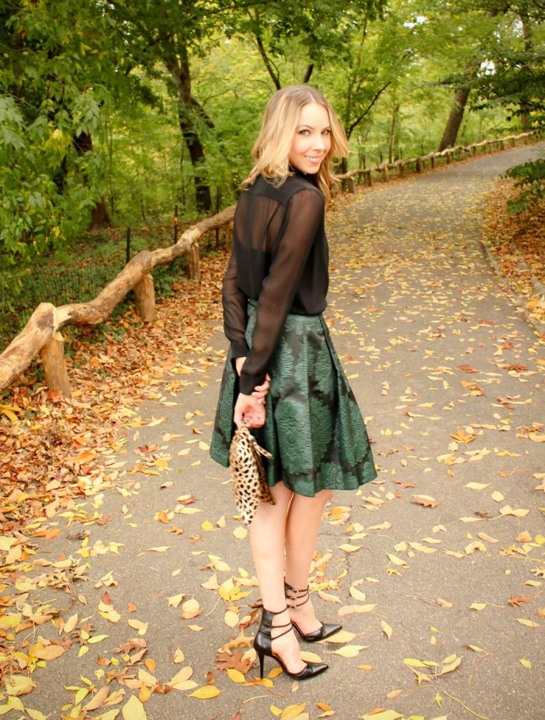 Trina Turk Julienne 2 Skirt | Stuart Weitzman Privacy Pumps | Clare Vivier Leopard Foldover Clutch | #MomentsOfChic