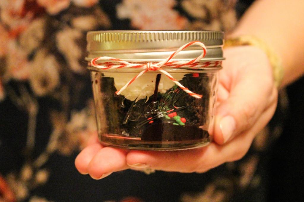 Brownie Parfait in Mini Mason Jar Tutorial