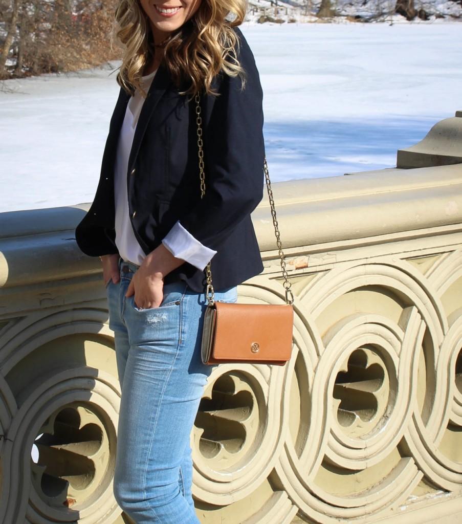 Banana Republic Indigo Skinny Ankle Zip Jean | Gap Classic Pique Blazer | Tory Burch Robinson Chain Wallet
