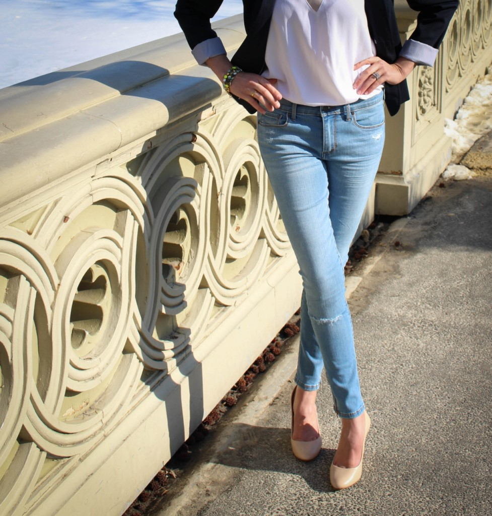 Banana Republic Indigo Skinny Ankle Zip Jean | Banana Republic Rorie Wedge | J. Crew Spring Bloom Bracelet