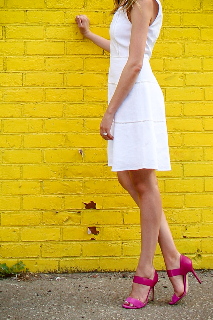 Theory Jemion Crush Wash Linen Dress | Theory LWD | Jimmy Choo Jazzberry Tallow Heels