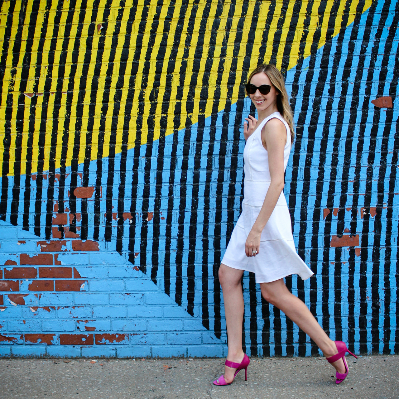 Theory Jemion Crush Wash Linen Dress | Theory LWD | Jimmy Choo Jazzberry Tallow Heels | Illesteva Palm Beach Sand Sunglasses