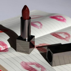 Burberry Kisses Lipstick in Oxblood No 97